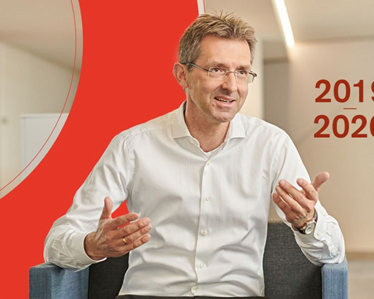 Annual Report 2019/20: Justus Hecking-Veltman, Member of the EOS Group's Board of Directors
